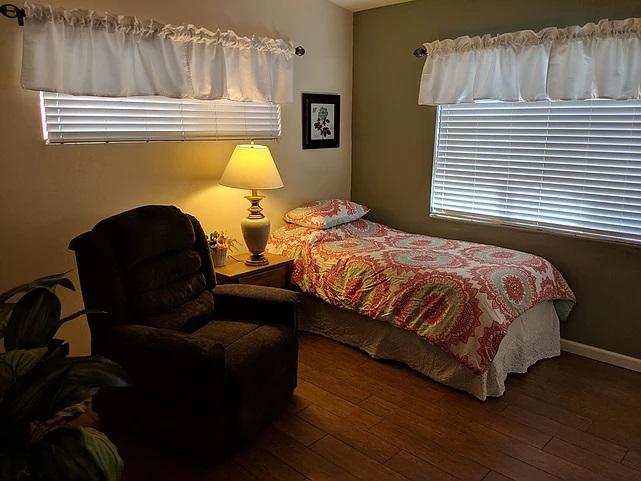 ocotillo-room1-img1-