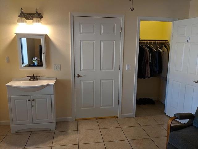 spacious-closet